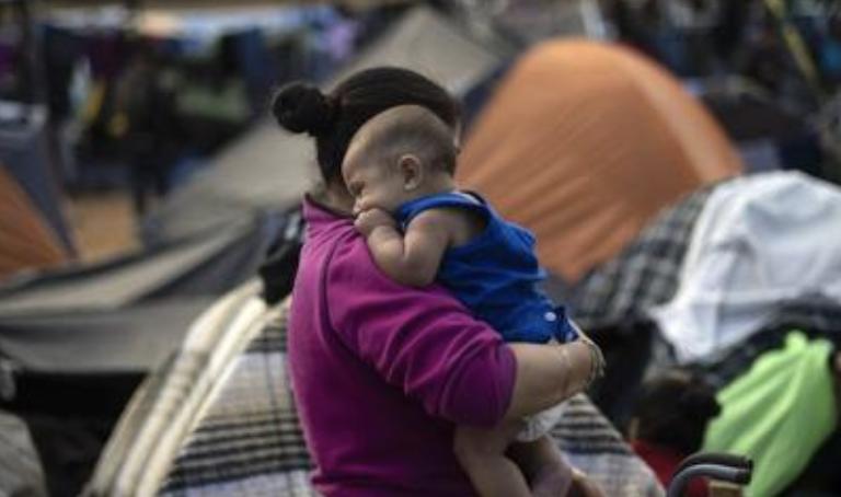 Denuncian la esterilización de migrantes en un centro de ICE - GM Noticias